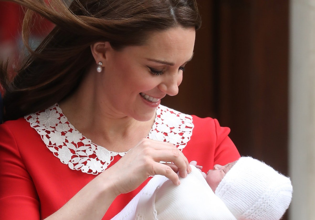 The Reason Kate Middleton Leaves The Hospital RIGHT After Giving Birth Makes A Lot Of Sense
