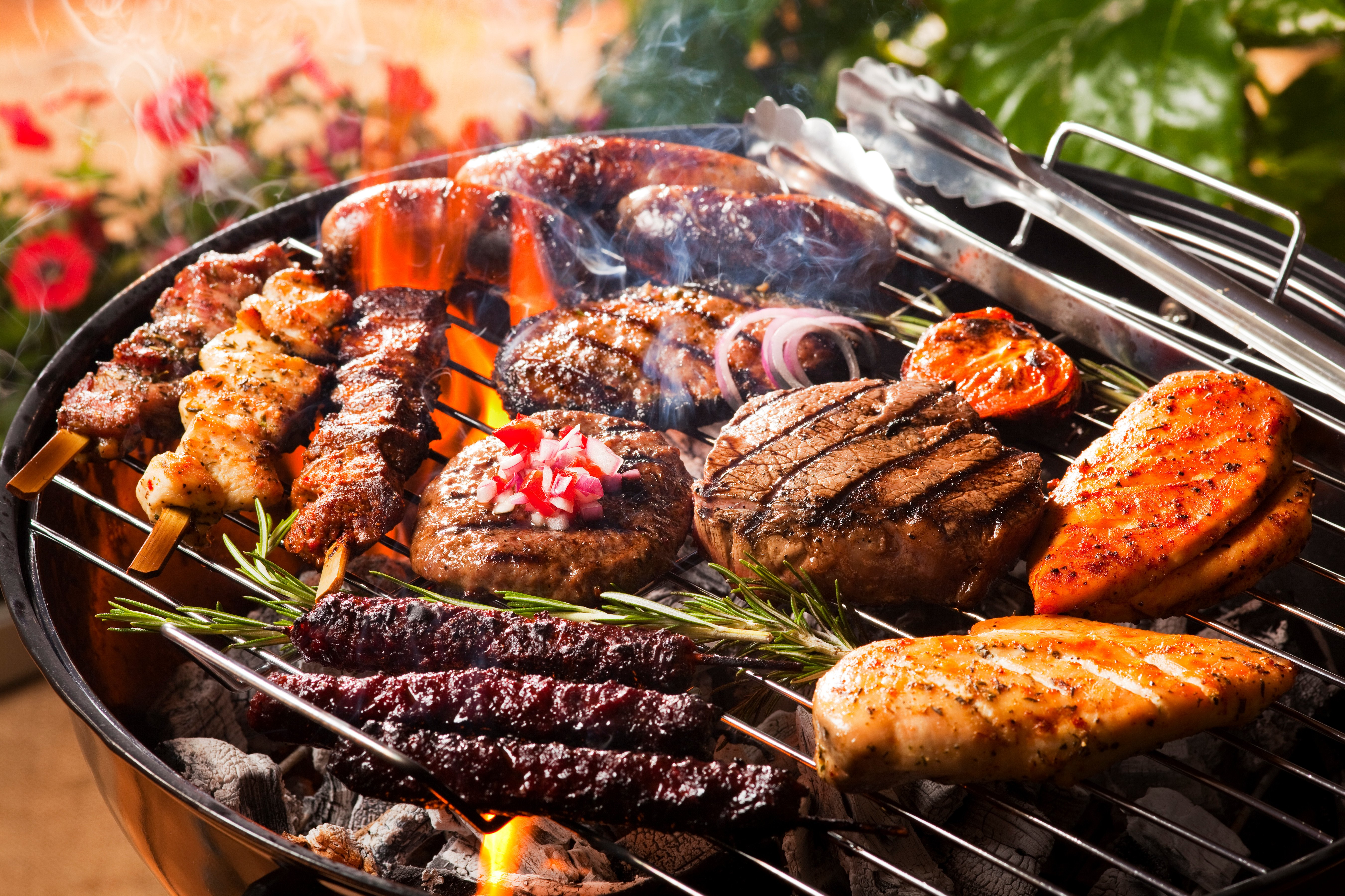 How do I clean my BBQ? Tips to get your barbecue grill sparkling in minutes