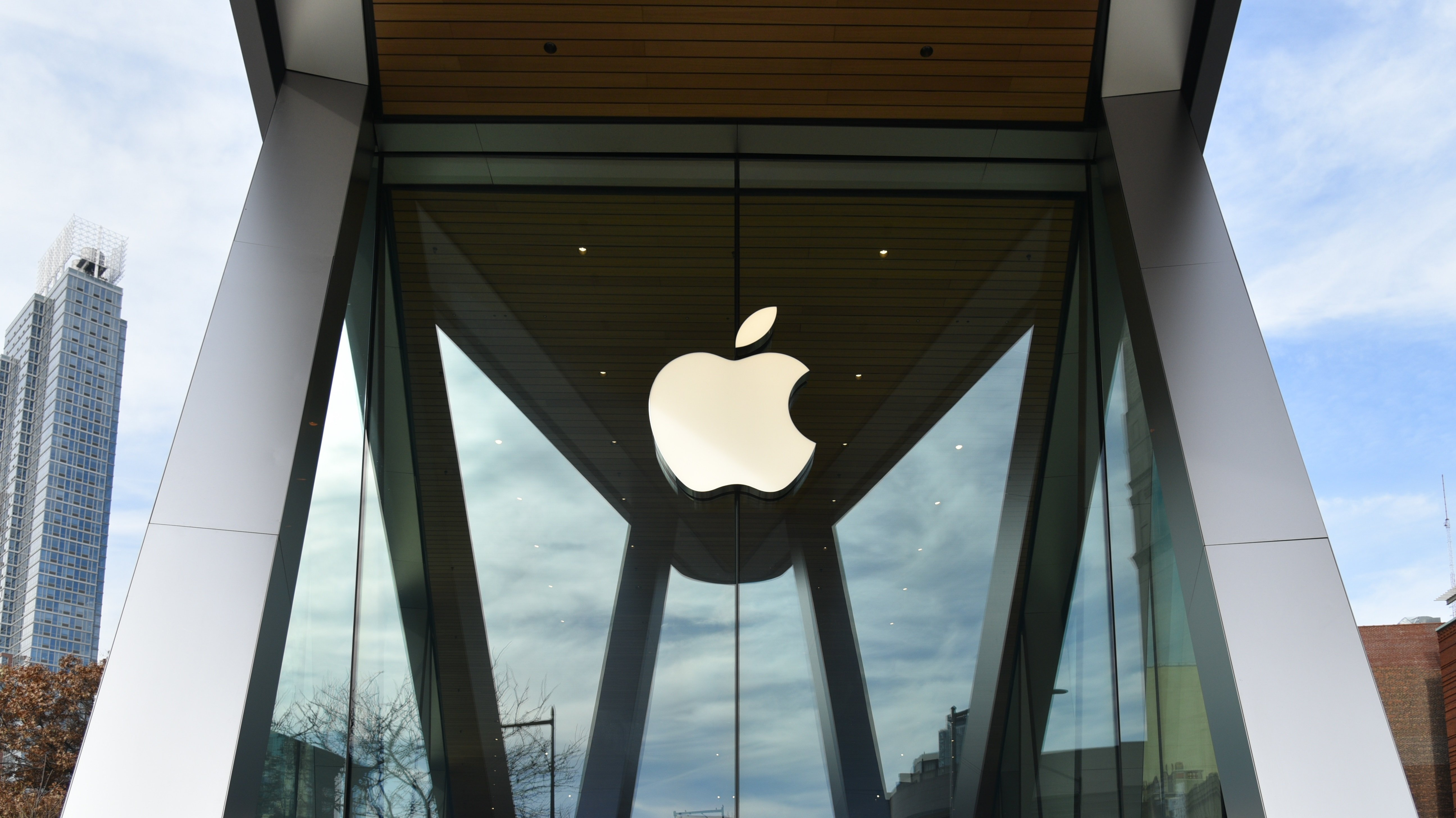 Apple Working on Combined AR/VR Headset (Report)