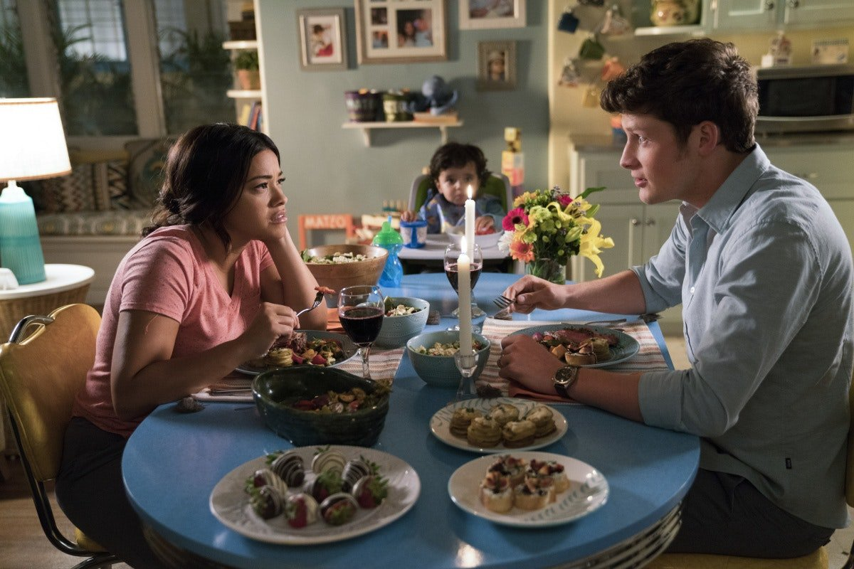 Turns Out, 'Jane The Virgin' Had Been Dropping Hints About That Bananas Twist All Along