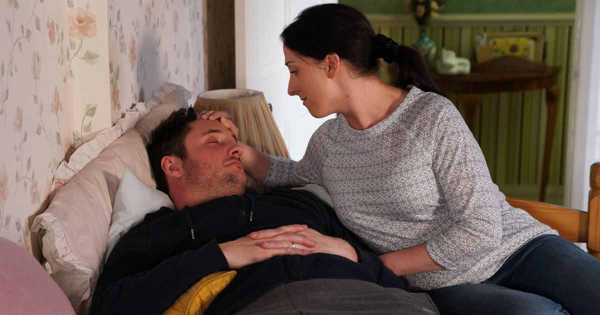 First look at Sonia Fowler's shock kiss with ex Martin on EastEnders revealed