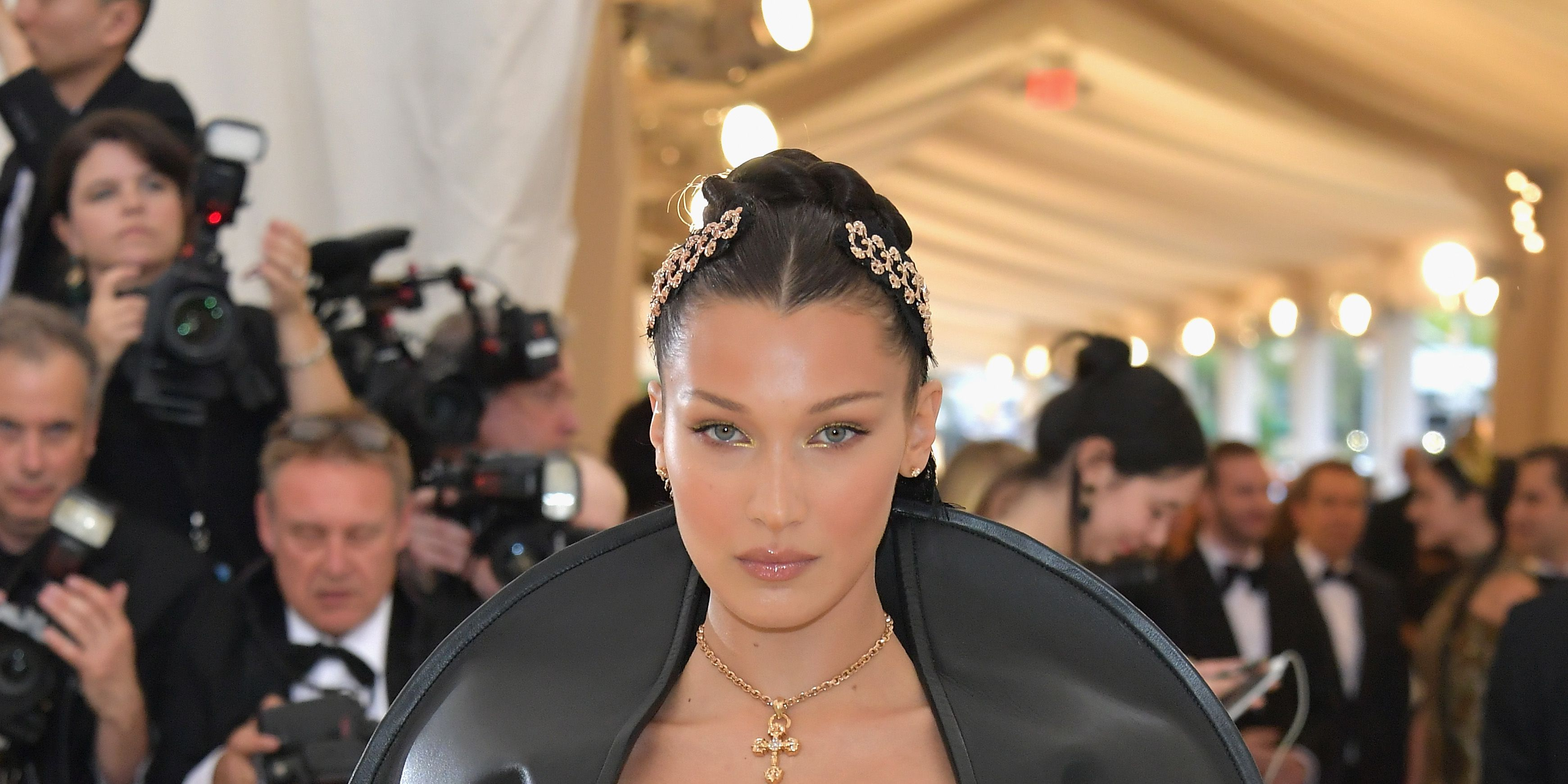 Bella Hadid Looks Like the Most Beautiful (Possibly Evil?!) Queen at the Met Gala