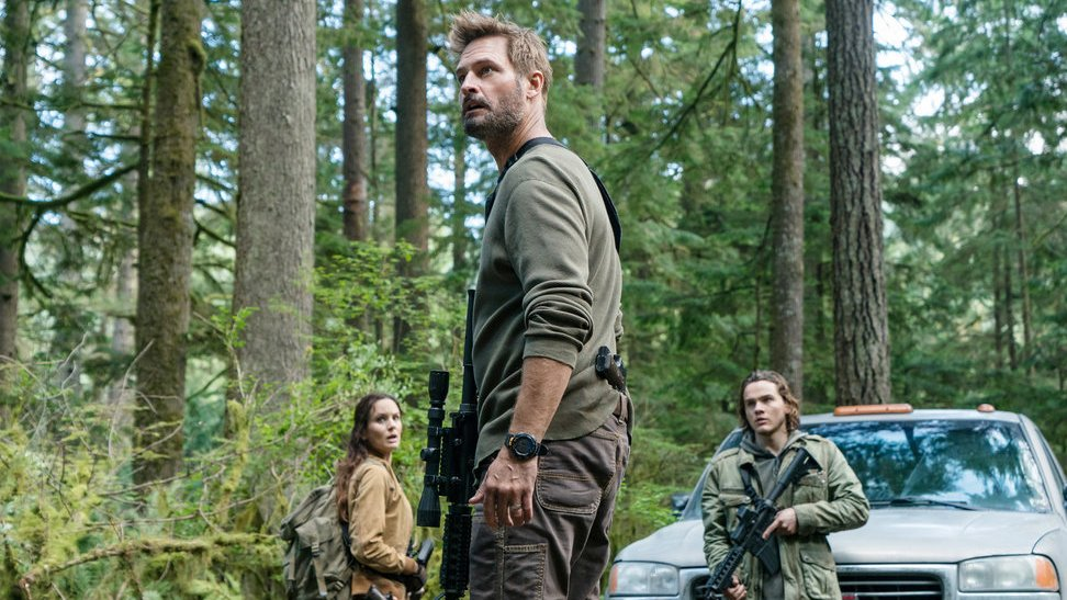 Josh Holloway on Season 3 of 'Colony' in Trump Era: 'It's Scary, the Parallels of This Show'
