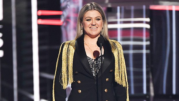 Kelly Clarkson Slays BBMA Outfits– See Her Sequin Dress, Fringe Ensemble & More