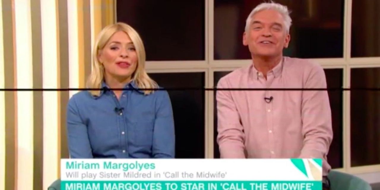 This Morning's 'fake' windows exposed as set suffers apparent technical glitch live on air