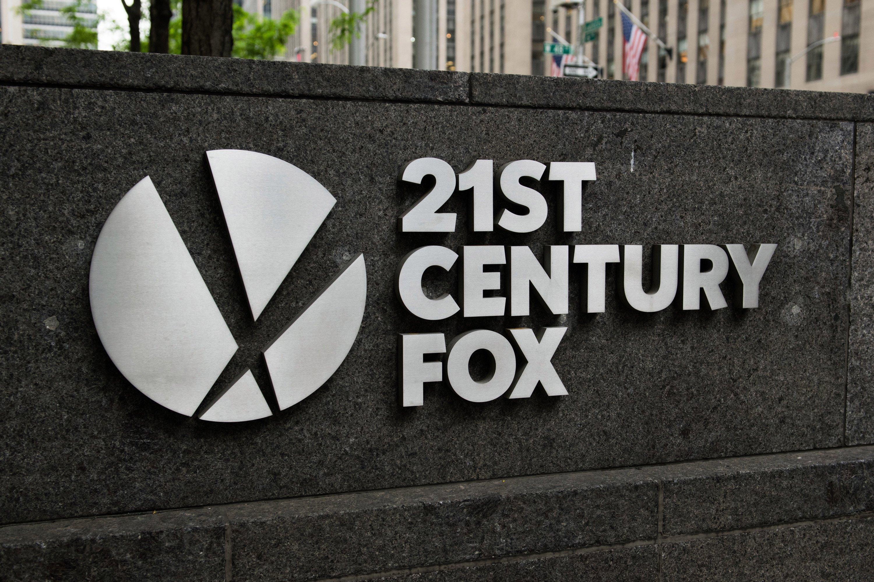 UK minister allows 21st Century Fox takeover of Sky
