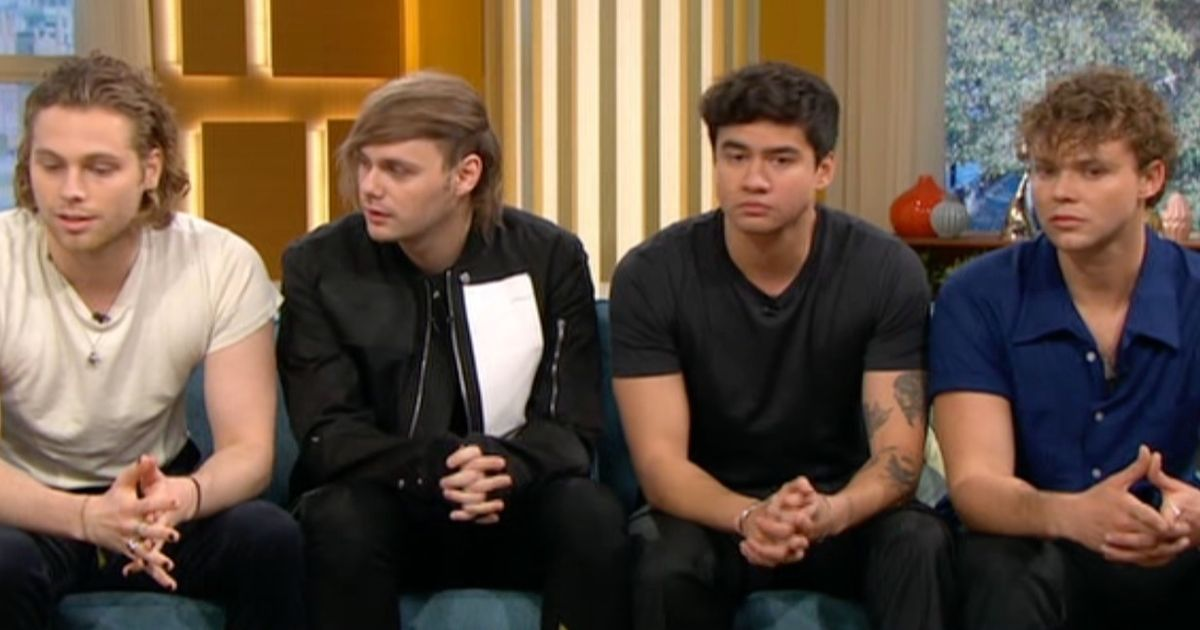 5 Seconds of Summer singer trolled by viewers over epic 'comb over'