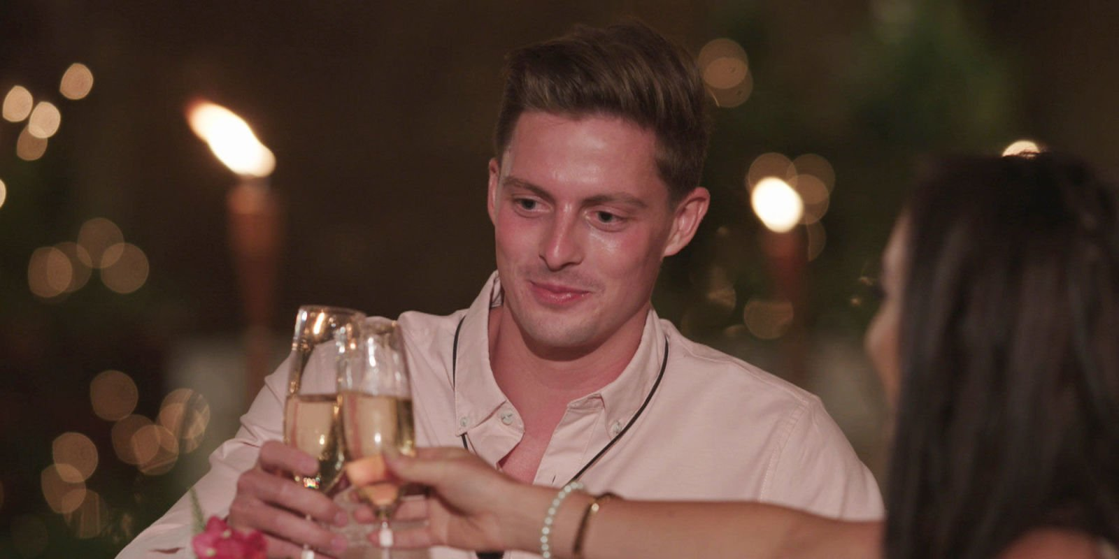 Love Island's Doctor Alex hits it off with new girl Rosie as he finally lands a date