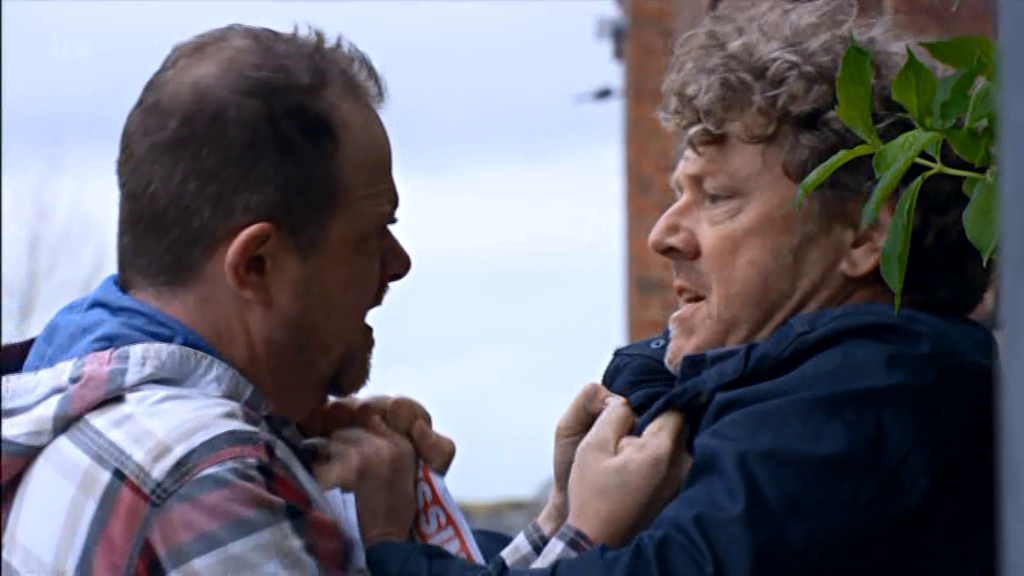 Emmerdale viewers have a shocking new theory about Amelia's kidnapping as they're convinced Dan is framing Daz
