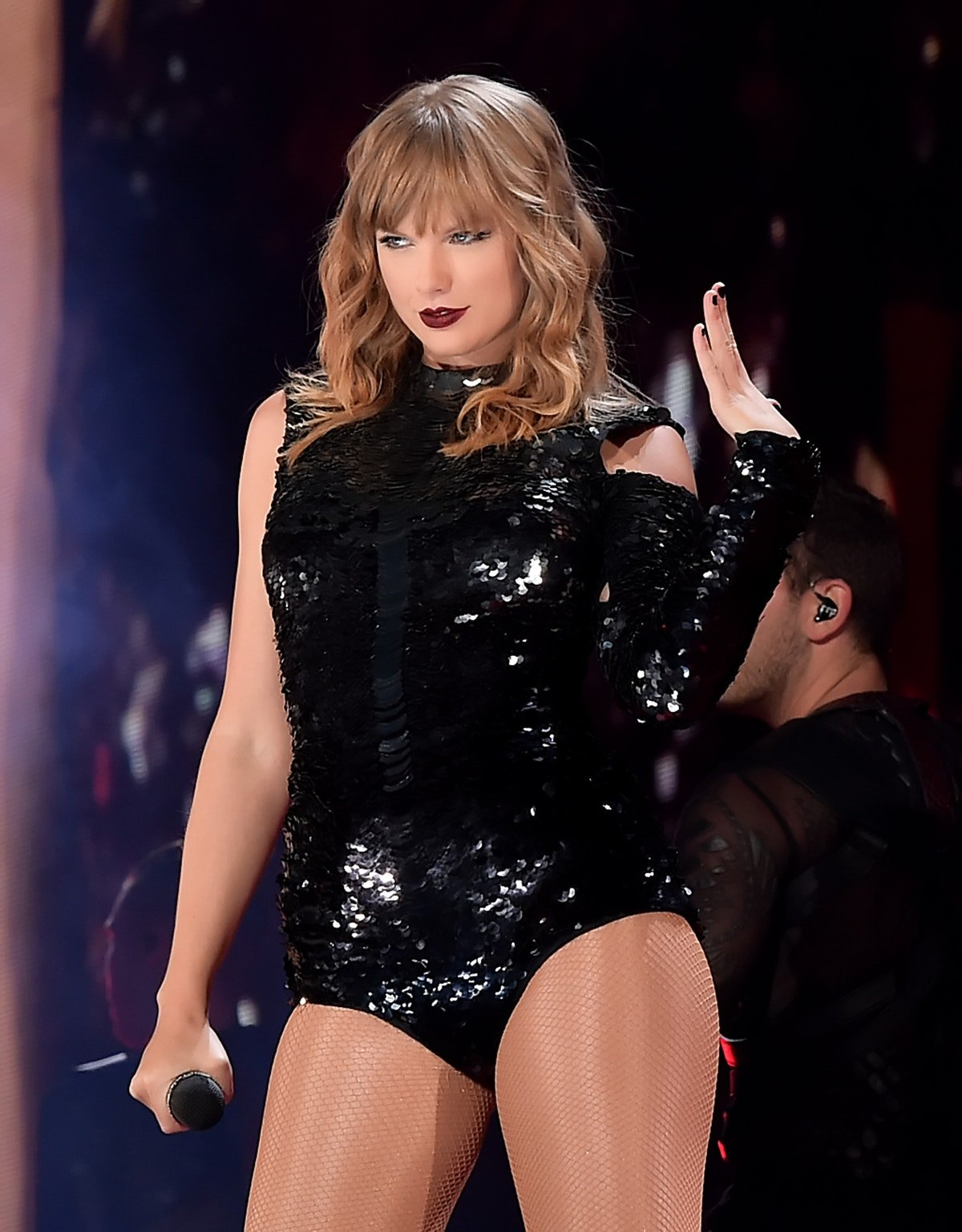 Taylor Swift Didn't Let A Stage Malfunction Ruin Her Latest 'Reputation' Tour Stop