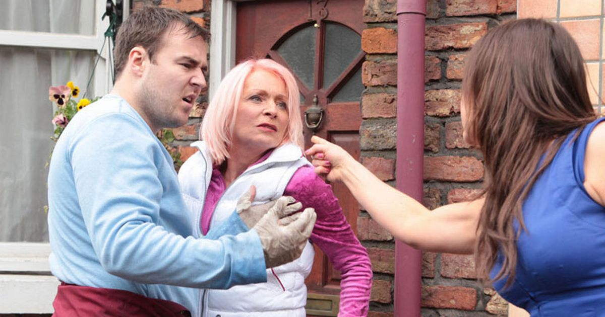 Corrie's Tyrone has a dark past with mum Jackie – all you need to know