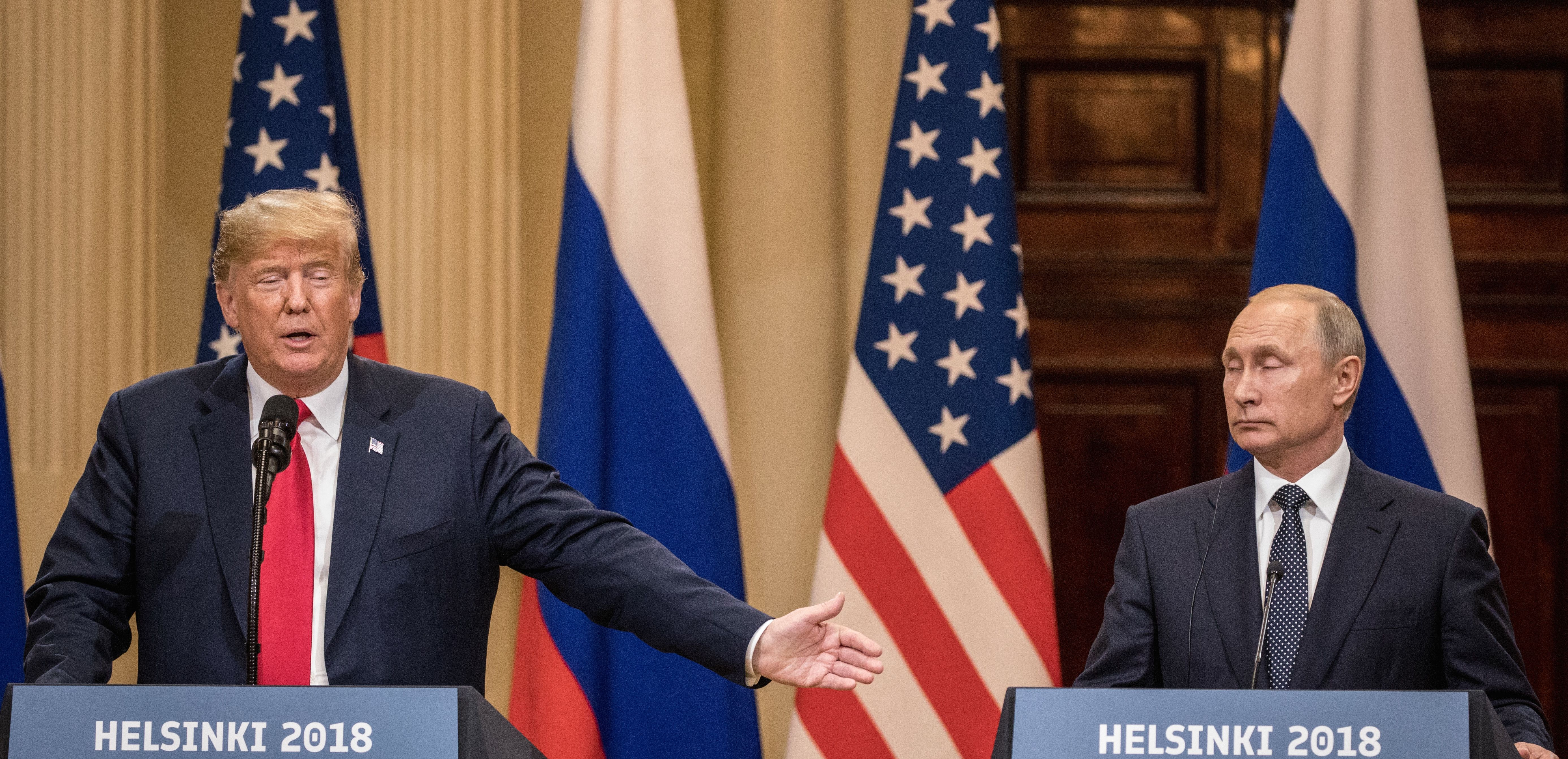 Former Intelligence Chiefs Condemn Trump's Conference With Putin