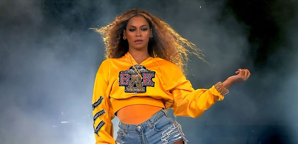 Beyonce Pregnancy Rumors Continue As Bey Wears Skintight Leotard In Paris, Reports 'Daily Mail'