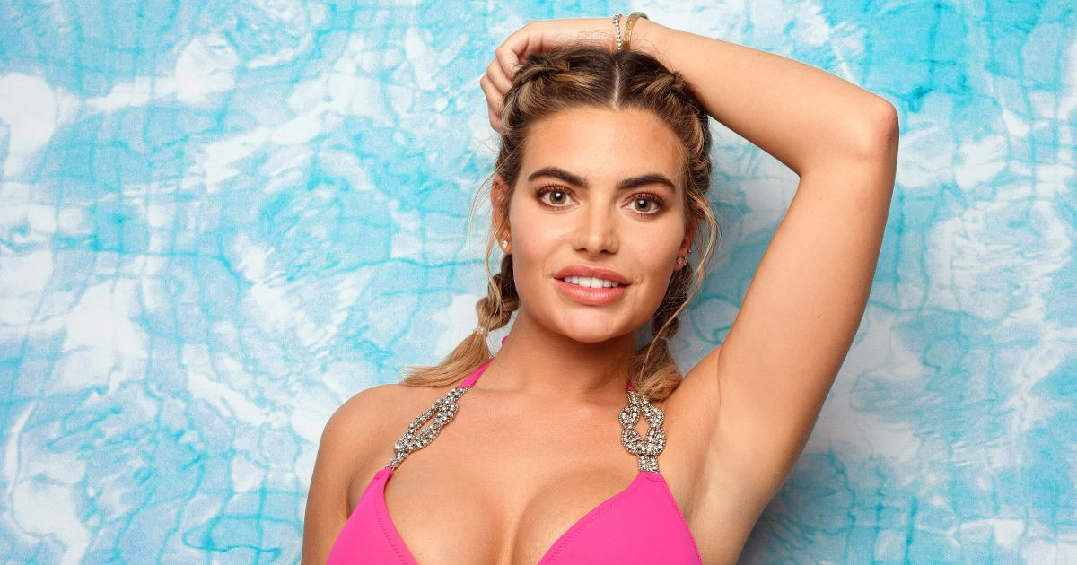 Love Island's Megan looks like a different person in stripper throwback snaps