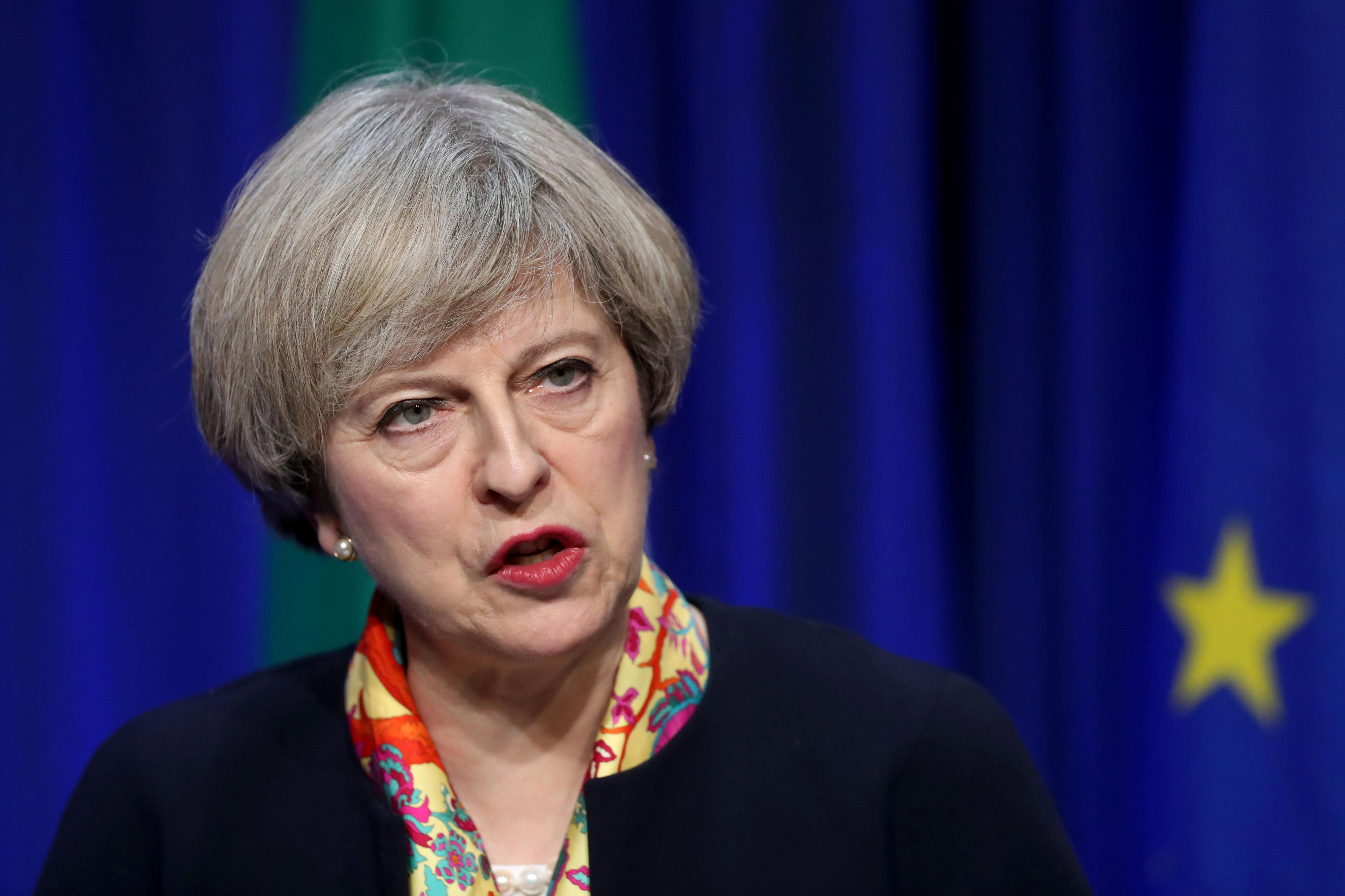 Theresa May in crunch talks with Brexit rebels as furious Tories claim White Paper is 'dead in the water'