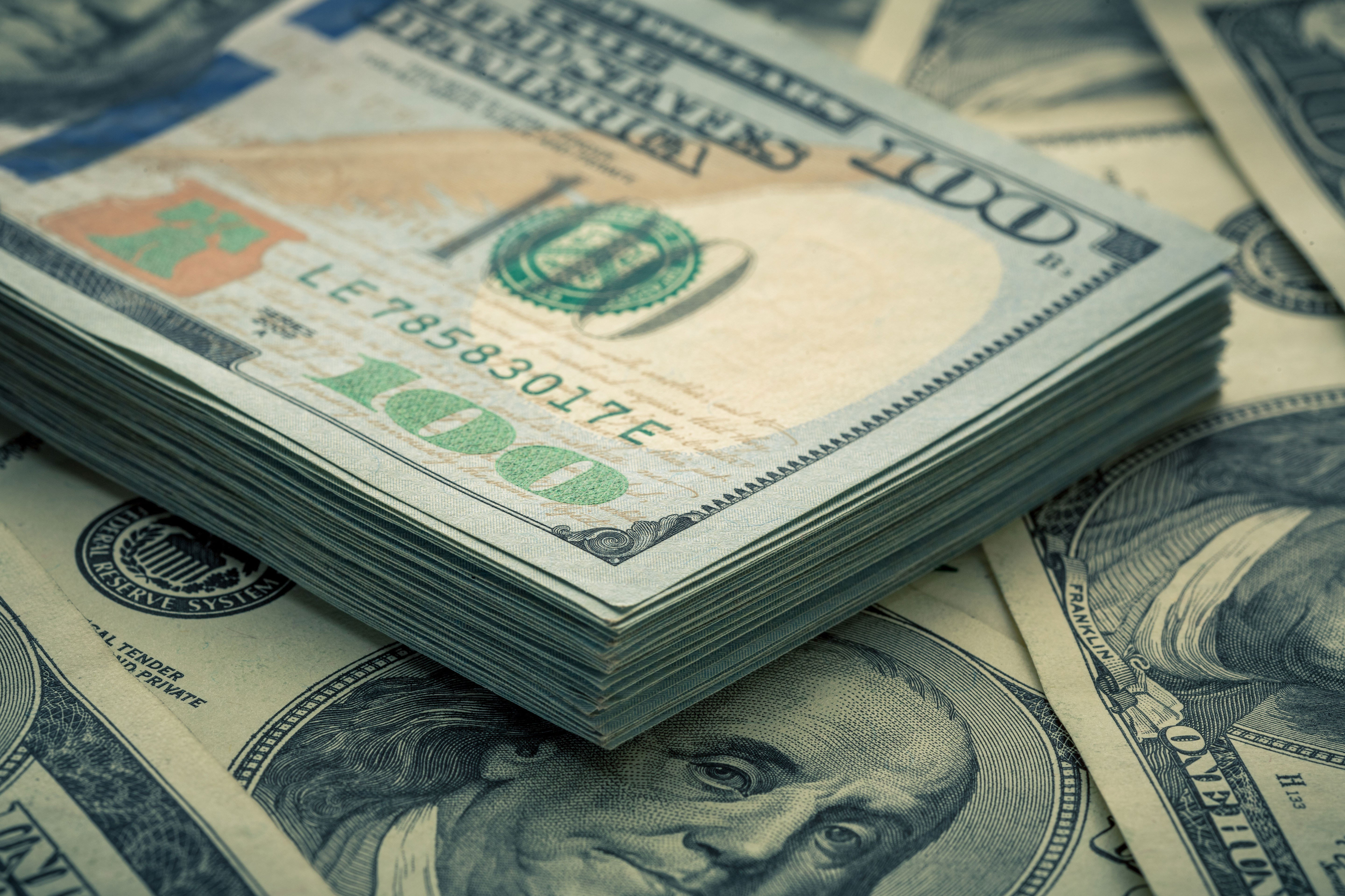 Woman temporarily becomes millionaire after account mix-up