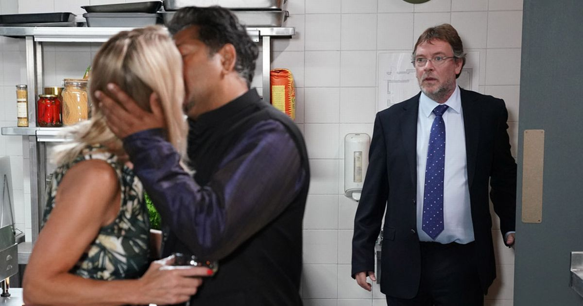 Masood and Kathy caught giving into temptation by horrified Ian on EastEnders