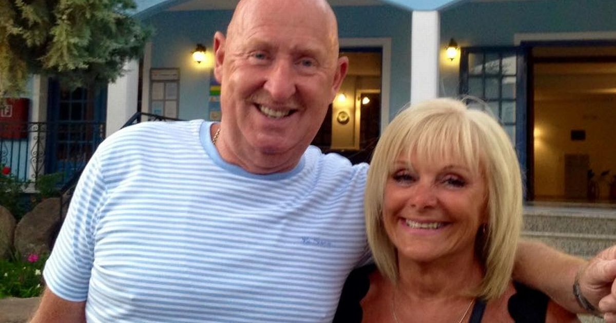 Thomas Cook removes all holidaymakers from Egypt hotel where British couple died