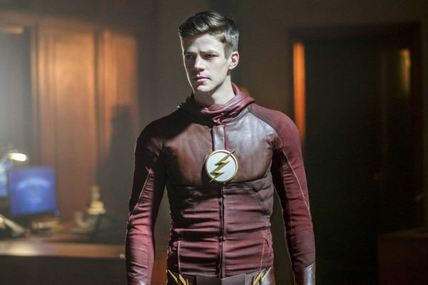 'The Flash' Star Grant Gustin Reminds Us Body-Shaming Men Isn't Okay, Either