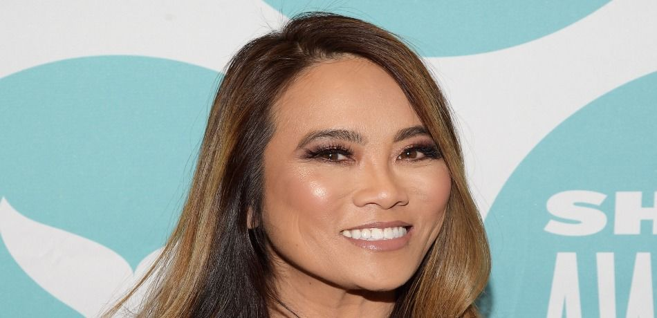 TLC Has Renewed 'Dr. Pimple Popper' For A Second Season