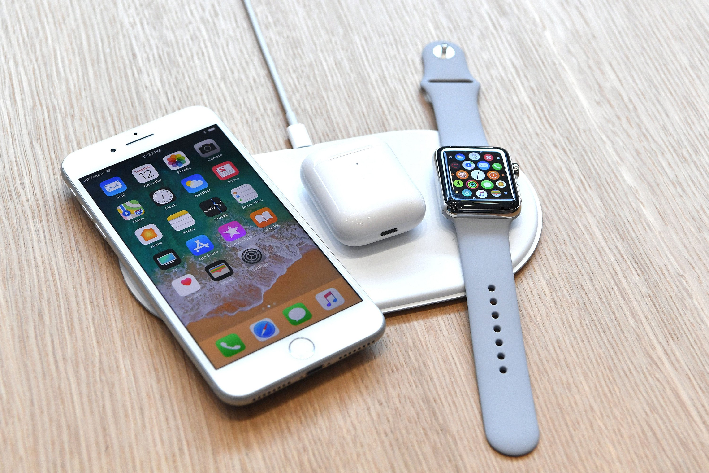 Apple's wireless charging mat plagued by delays and glitches