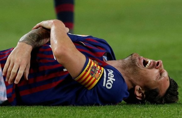 Lionel Messi pictured for first time since breaking arm