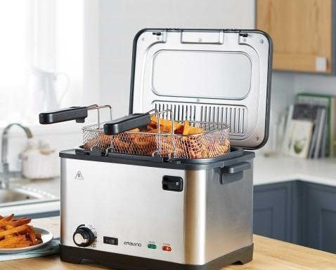 Aldi is selling a 4 litre deep fat fryer for just £25