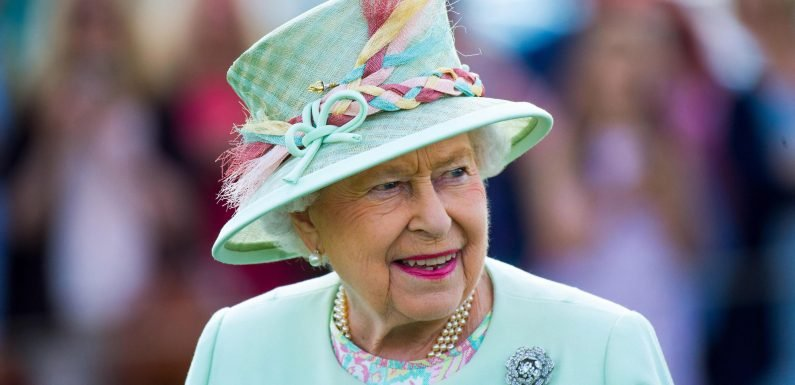 What is the Queen's net worth and how much does Queen Elizabeth II earn each year?