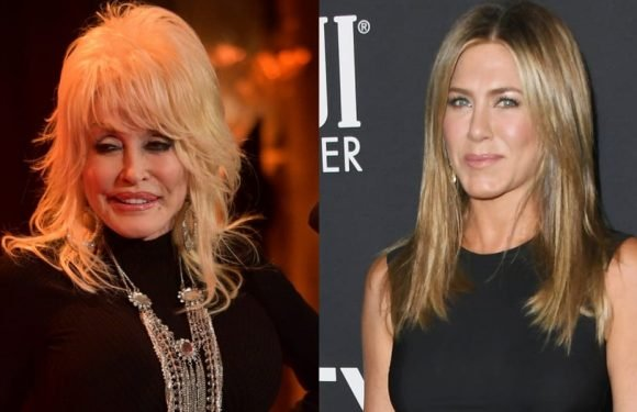 Dolly Parton Reveals Jennifer Aniston Sang Backup For Her Netflix Special