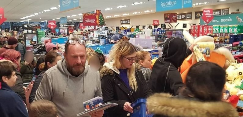 Fights break out at Aldi as shoppers battle to get hold of Kevin the Carrot toys