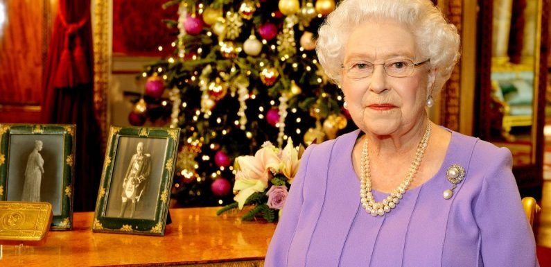 The Queen's three strict rules when the Royal Family open Christmas presents