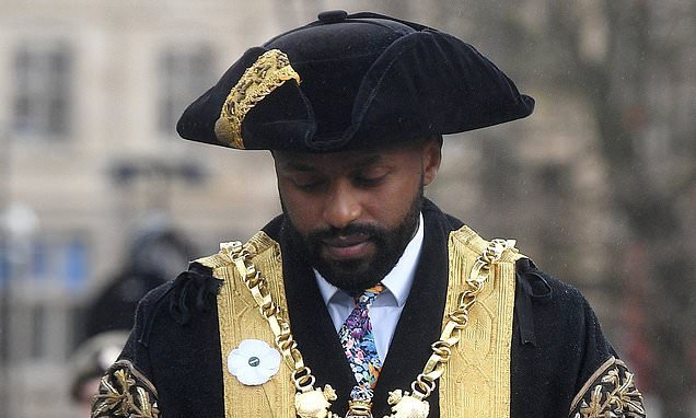 Sheffield Lord Mayor slammed for wearing white poppy on Armistice Day