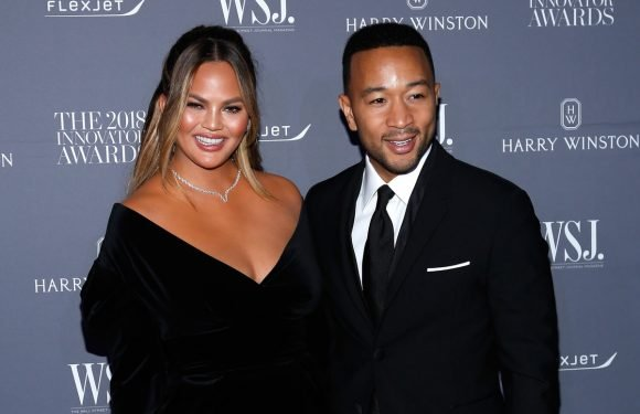 Chrissy Teigen & John Legend's Christmas Special Guest List Will Give You Serious FOMO