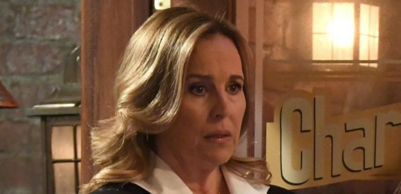 'General Hospital' Weekly Spoilers: Laura Reacts, Curtis Has Bad News, And 'CarSon' Faces Chaos