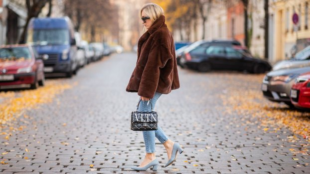 6 Sneaky Ways to Make Your Shoes More Comfortable, According to Podiatrists