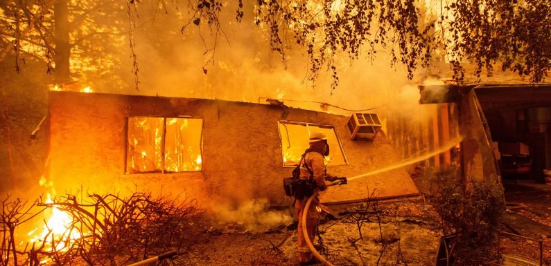 Death toll climbs as Northern California wildfire spreads