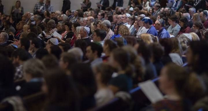 Thousands #ShowUpForShabbat around the world in solidarity with Pittsburgh shooting victims