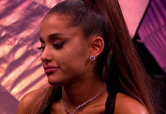 """Ariana Grande Told Her Fans To Be """"Gentler"""" With Pete Davidson"""