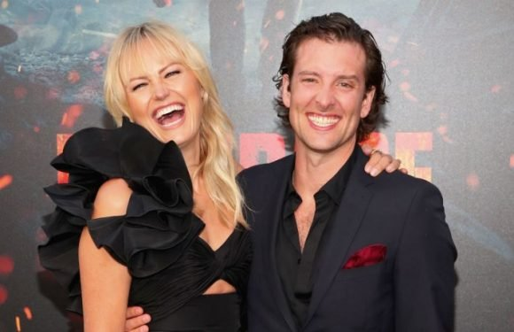 Malin Akerman & Jack Donnelly Marry On The Beach In Mexico