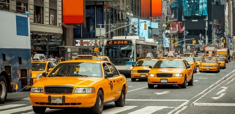 State asks judge to delay hearing on taxi congestion pricing