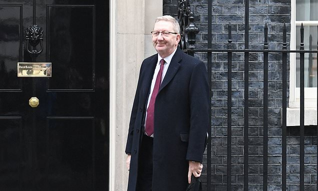 Union chiefs demand the PM takes no deal off the table
