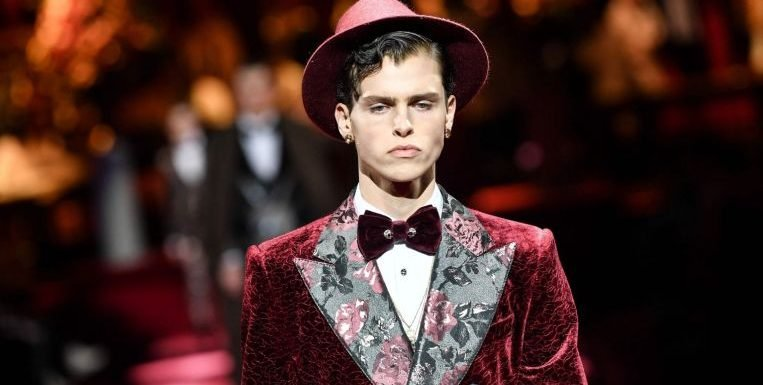 D&G unveil Italian oomph at Milan Fashion Week after China fiasco