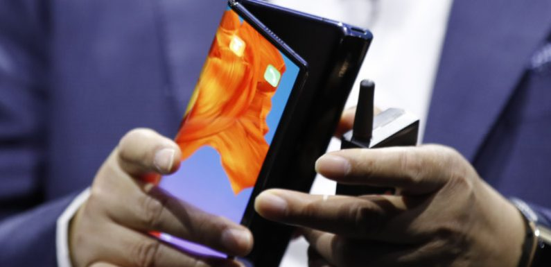 On Samsung's tail: Huawei unveils foldable 5G phone