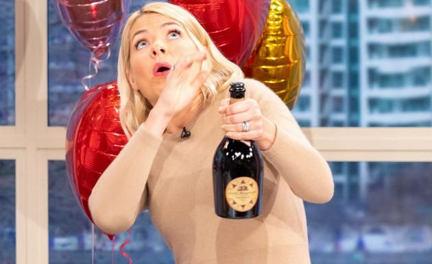 Holly Willoughby almost hits This Morning medic in huge blunder