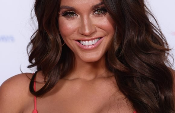 Vicky Pattison WOWS in bikini snap as she takes a swipe at ex John Noble