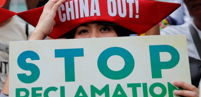 Filipinos protest China's build up in disputed sea