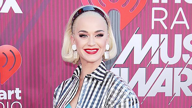 Katy Perry Slays In A Checkered Dress At iHeartRadio Awards & Shows Off Blonde Bob
