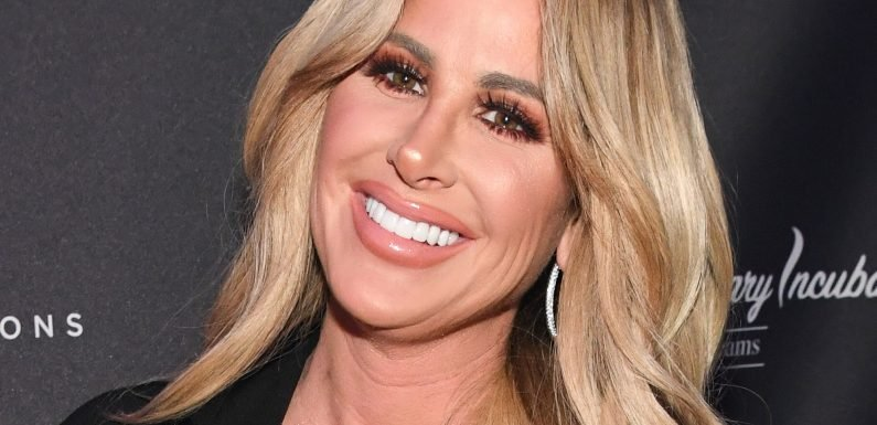 Kim Zolciak looks completely unrecognizable as a brunette