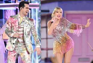 Taylor Swift and Brendon Urie Open 2019 Billboard Music Awards With 'Me!'