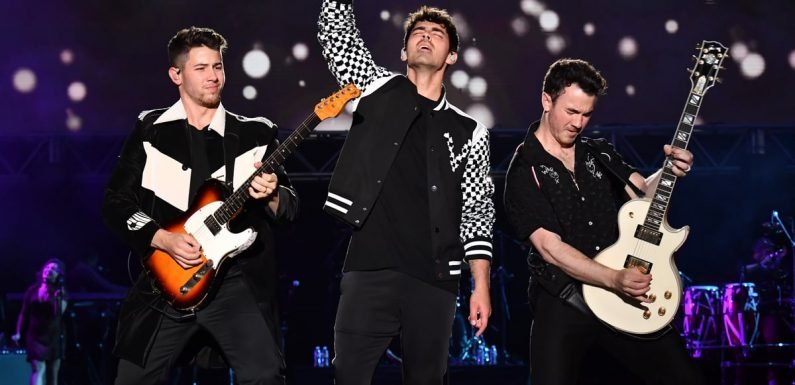 20 Songs the Jonas Brothers NEED to Perform During Their Happiness Begins Tour
